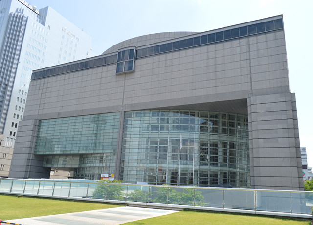 #032<br/>愛知芸術文化センター