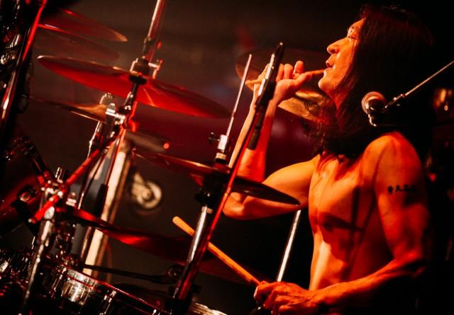 """""""鉄のまち""""と称される東海市が、ヘヴィメタルの魅力伝えるライブ&シンポジウムを開催。ゲストに、アイアン・メイデンの元ボーカルや「BURRN!」編集長ら。"""