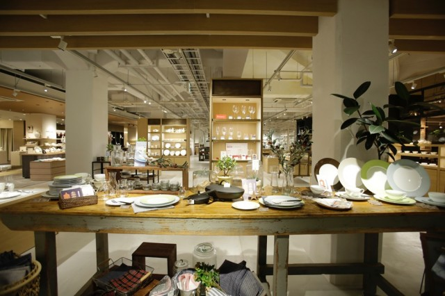"""老舗陶磁器メーカー「ノリタケ」が目指す、新たなる挑戦。<br/> """"DIAMOND DAYS"""" をテーマに掲げ、<br/>直営店舗「ノリタケスクエア名古屋」がリニューアルオープン。"""