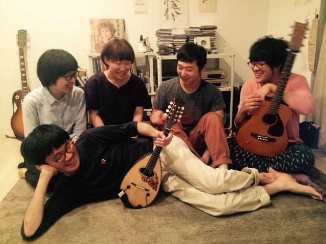 石川県の5人組ポップバンド・やまもが名古屋でレコ発。T.V not january、HoSoVoSo、おれ、夕子。の3組が共演。