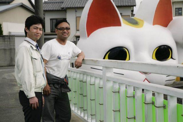 【SPECIAL REVIEW】<br/>やきものの町・常滑の歴史文化を次代へとつなぐ『TOKONAME BOOK』。<br/>同誌制作チームのTOKONAME STORE・鯉江優次、常滑市役所・竹内稔将と常滑散策。