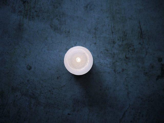 ピアノの旋律とろうそくの灯りが通い合う一夜。ピアニスト・林正樹とキャンドル作家・河合悠によるコラボ公演が岐阜にて開催。
