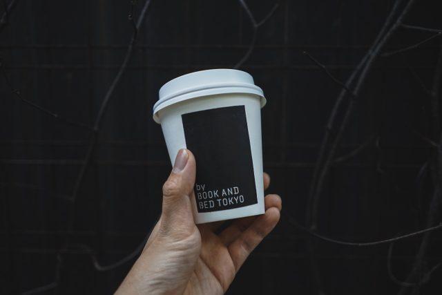 """東京の""""泊まれる本屋""""「BOOK AND BED TOKYO」が主催する人気コーヒー店のポップアップショップが名古屋パルコにて開催中。"""