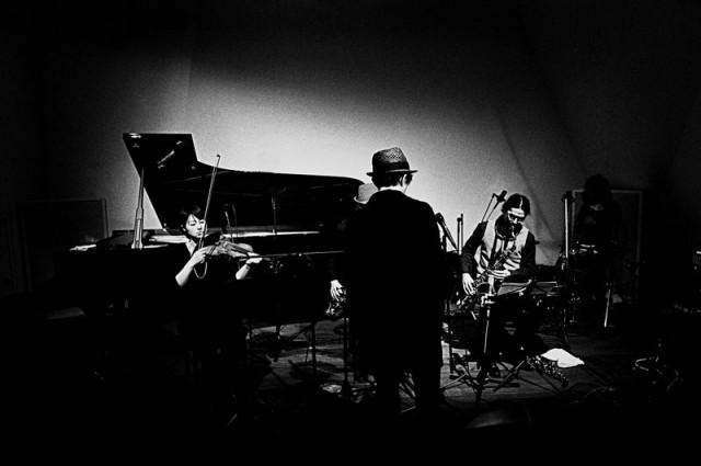 稀代の音楽家・haruka nakamura。5人編成となるPIANO ENSEMBLEでの名古屋公演が決定。