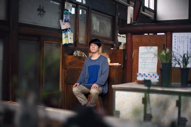 上海出身、都内在住のSSW・王舟、待望の2ndアルバム発売記念ツアーで円頓寺・西アサヒへ。共演はinahata emi。