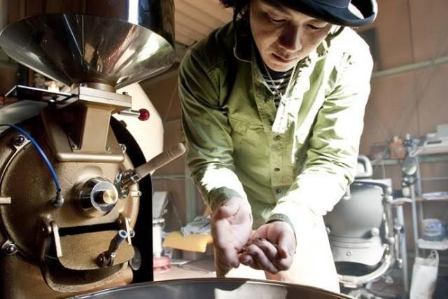"""トークイベント「コーヒーで物語りナイト」しごとバー@名古屋、開催。""""バーテンダー""""には焙煎士・尾藤雅士が登場。"""