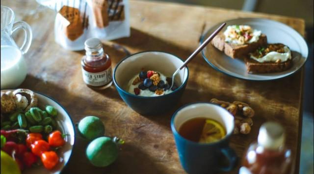"""""""おいしい朝のすごし方""""をテーマとしたイベントがノリタケの森で開催。女優兼発酵マイスター・菜月による「ぬか床作りワークショップ」も。"""