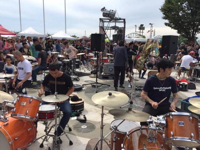 さまざまなバンドで活動するドラマーたち9名によるセッションバトルが今池TOKUZOにて開催。