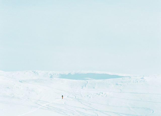 ライフワークとして「雪」を撮影し続けている写真家、菊地和歌子の個展が開催。トークイベントも。