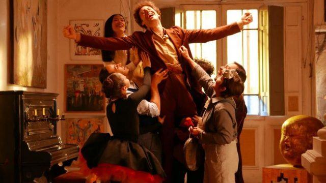 『エンドレス・ポエトリー』:鮮やかな映像美と唯一無二の世界観で、世界中を魅了するカルト映画界の巨匠、アレハンドロ・ホドロフスキー監督の最新作がいよいよ公開!