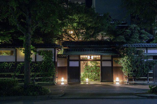 名古屋の老舗料亭・河文がお化け屋敷に!?真っ暗な館内を巡る、肝試しイベントを初開催。