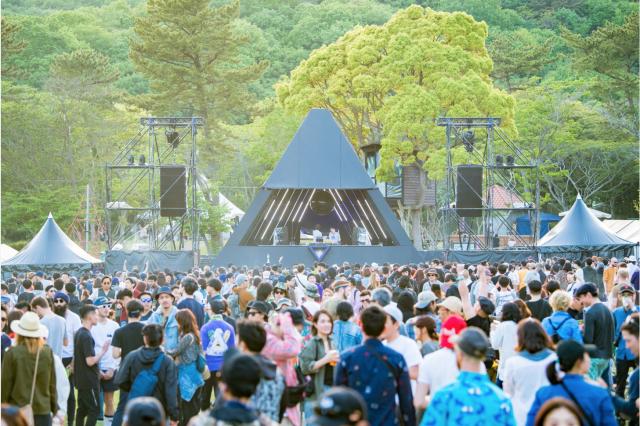 """""""世界TOP10フェス""""に選出!静岡・東伊豆で開催されてきたダンスミュージックフェス「RAINBOW DISCO CLUB 2019」が10周年、来春も開催。"""