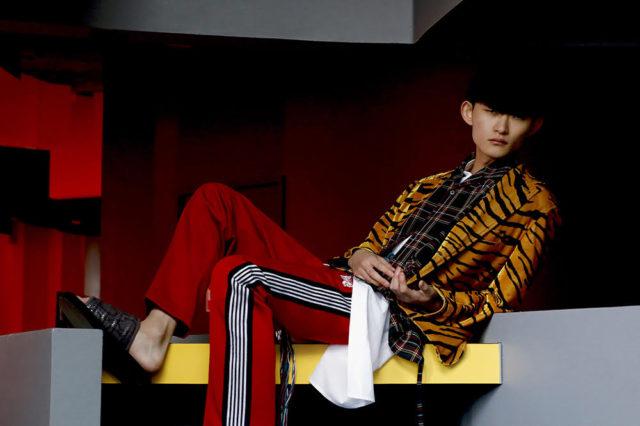 Amazon Fashion Weekなどでも活躍をみせる山田大地をモデルに抜擢。岐阜・養老天命反転地を舞台に撮影された「UNEVEN」の2019SSシーズンビジュアルが公開。