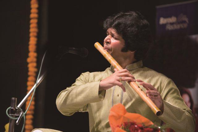 世界から注目を浴びる北インド古典音楽。インドの竹笛を操るバーンスリー奏者・ラケーシュ・チョウラシアによる名古屋公演が開催。
