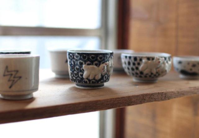 瀬戸市在住の陶作家・堀江まやによる企画展「まやの間」が、名古屋の植物&雑貨店・TUMBLEWEEDにて開催中。