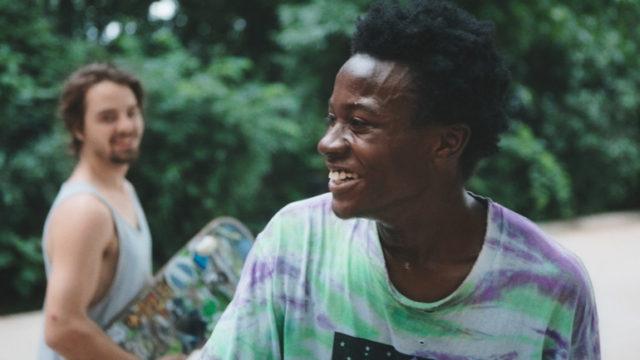 『行き止まりの世界に生まれて』: アメリカの繁栄から見放された地・ラストベルトで、スケートボードにのめり込む若者3人を追ったドキュメンタリー。