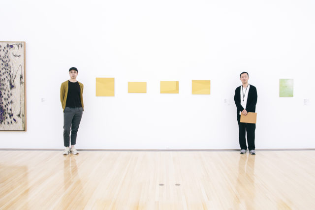 【SPECIAL INTERVIEW】 <br/>豊田市美術館開館25周年記念展「DISTANCE いま見える景色」。<br/>対談後編は「距離」をテーマとした展示に出展する作家・秋吉風人と<br/>担当キュレーター・石田大祐が語り合ったアートの楽しみ方、その深み。