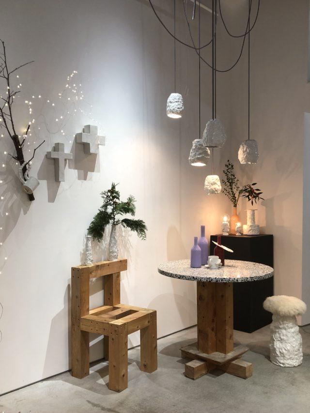 白一色の陶器を素材に表現を行う造形作家・中野加奈子の陶器ブランド、Birbiraの個展「In the living room」が円頓寺・galerie P+ENにて開催中。
