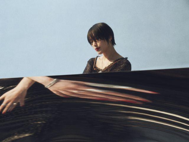 Tempalayメンバーとしても活躍するAAAMYYY、ソロプロジェクト第2弾フルアルバムを約2年半ぶりにリリース。東名阪ツアー名古屋公演でCLUB QUATTRO NAGOYAに登場。